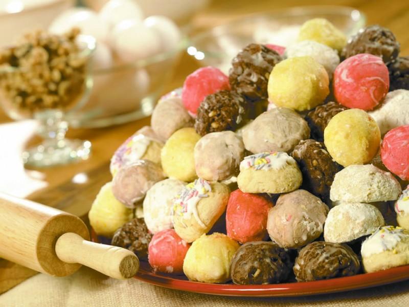 Aunt Mary's Italian Cookie Tray