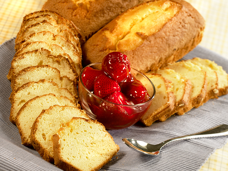 Gerrity's Pound Cake & Strawberry Platter